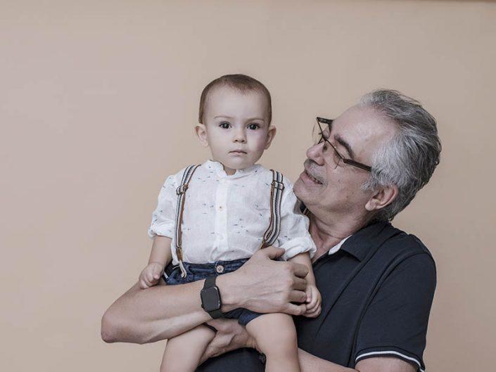 Sesión de fotos familiar en estudio en Tenerife