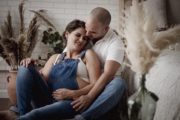 Fotografia de embarazo Natural, Lifestyle, en estudio, exterior o domicilio