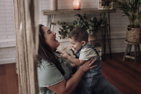 Fotografias con tu bebe, respetuosas y naturales. Fotografia de tu lactancia, ya sea pecho o biberón, porteo, vínculo. Fotografías tiernas e inolvidables