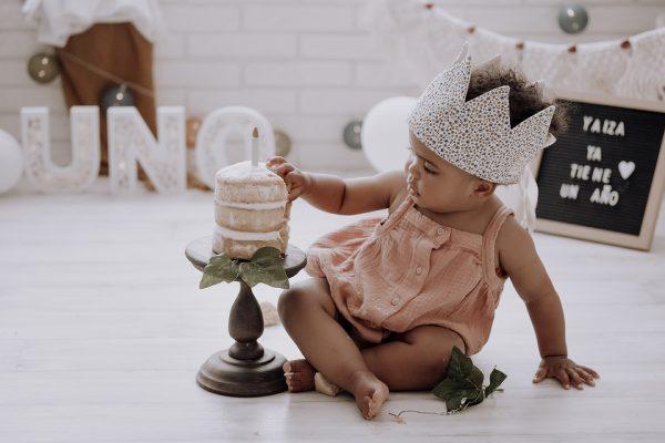 Sesiones de cumpleaños con tarta y baño para tu bebé